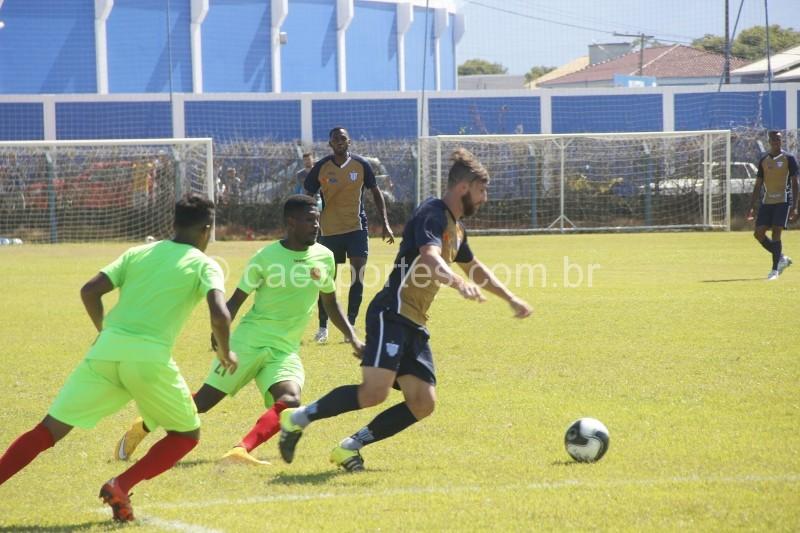 Lance do jogo-treino deste sábado, em Florianópolis (Foto: André Palma Ribeiro/Avaí)