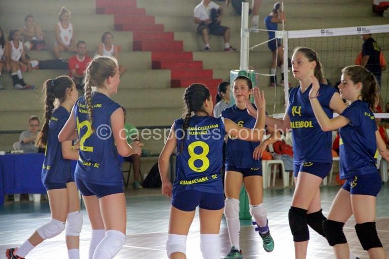 vôlei feminino da Escola Estadual Sara Castelhano Kleinkauf, de Guaraciaba