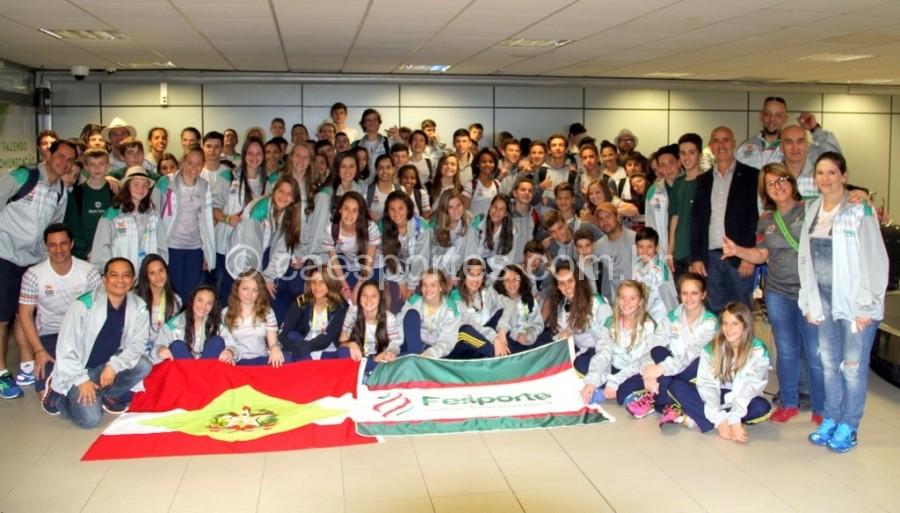 Delegação em no aeroporto Hercílio LuzFoto Divulgação