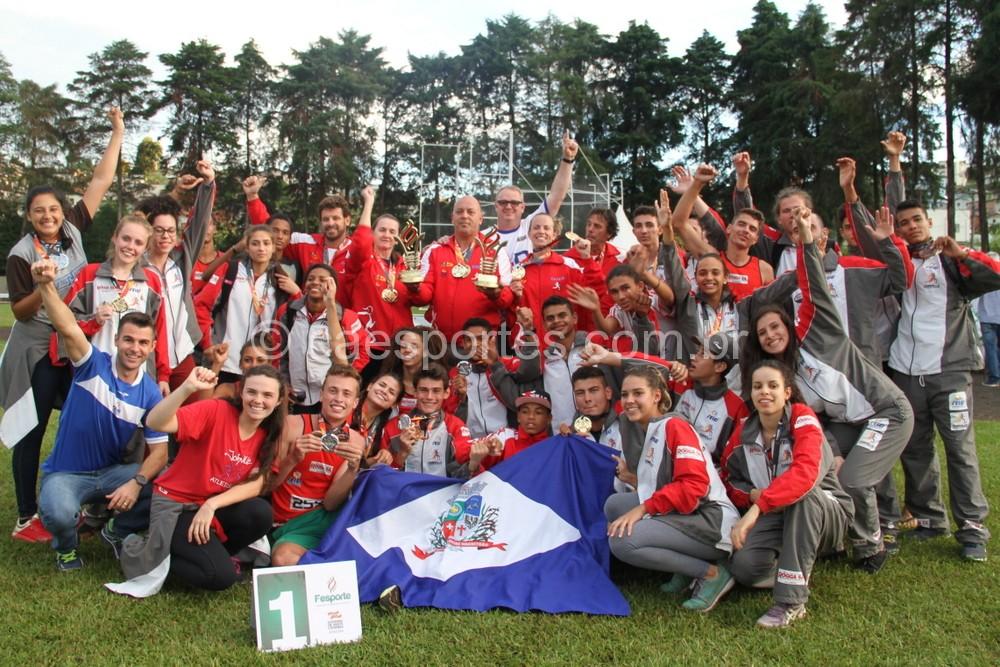Joinville foi campeão no atletismo masculino e feminino (Foto: Antonio Prado/Fesporte)