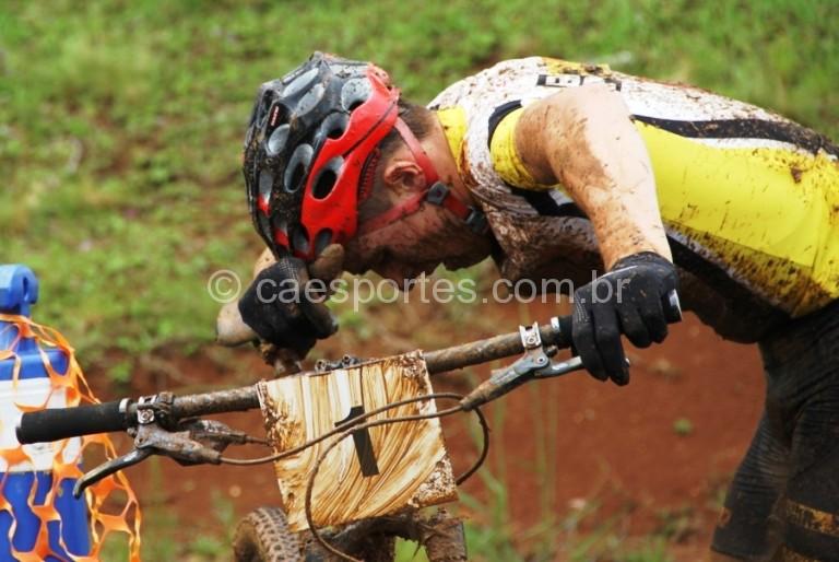 criciumense Eliel Faro venceu de ponta a ponta a cross country e chega exaustoFoto: Antonio Prado