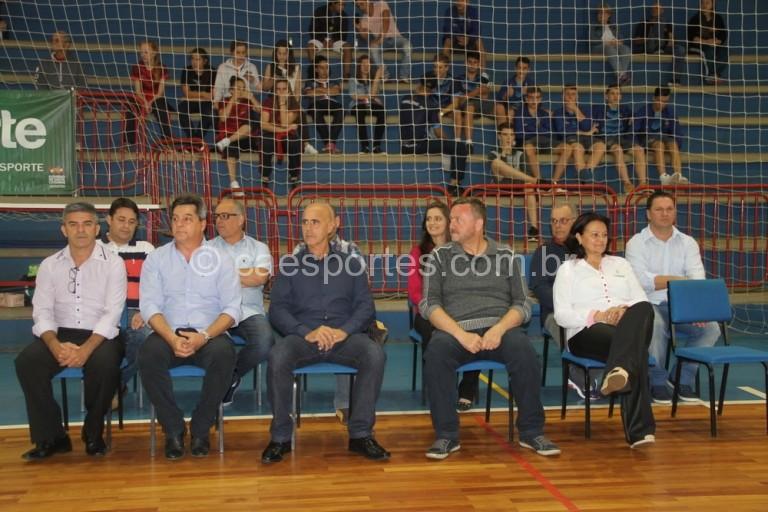 Autoridades durante a abertura da Olesc em Caçador (Foto: Antonio Prado/Fesporte)