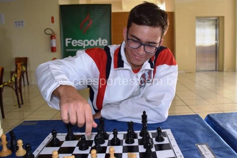 Thiago Dobuchak desde cedo coleciona títulos importantesFoto: Heron Queiroz/Fesporte
