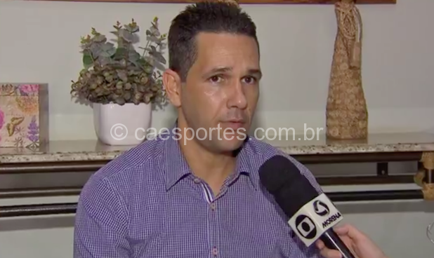 O auxiliar técnico Chiquinho Lima (Foto: reprodução