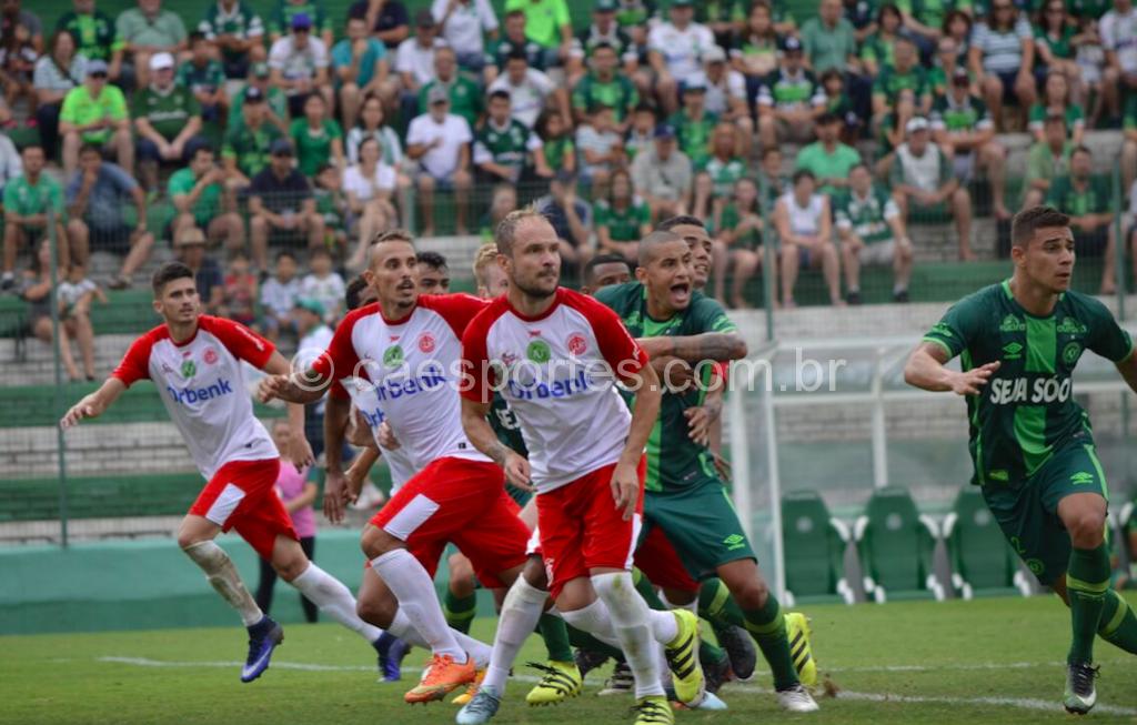 Lance de Chapecoense 2 x 1 Inter (Foto: Fom Conradi)