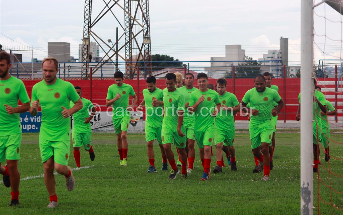 - Elenco do Inter de Lages treina no Estádio Vidal Ramos Júnior (Foto: Greik Pacheco) divulgação