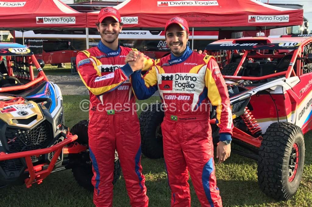 Família da Poeira domina o Brasileiro de Rally Baja: Rodrigo (D) e Bruno Varela (Foto: Donizetti Castilho/DFotos