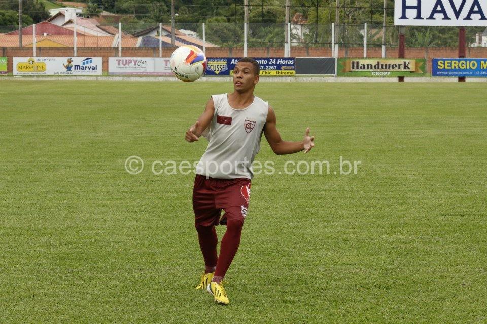 atacante Abner (Foto: Atlético de Ibirama/divulgação)