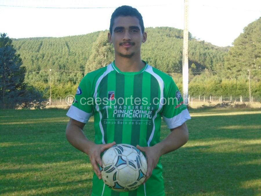 Luciano Mota-autor do gol da equipe do Pinherinho