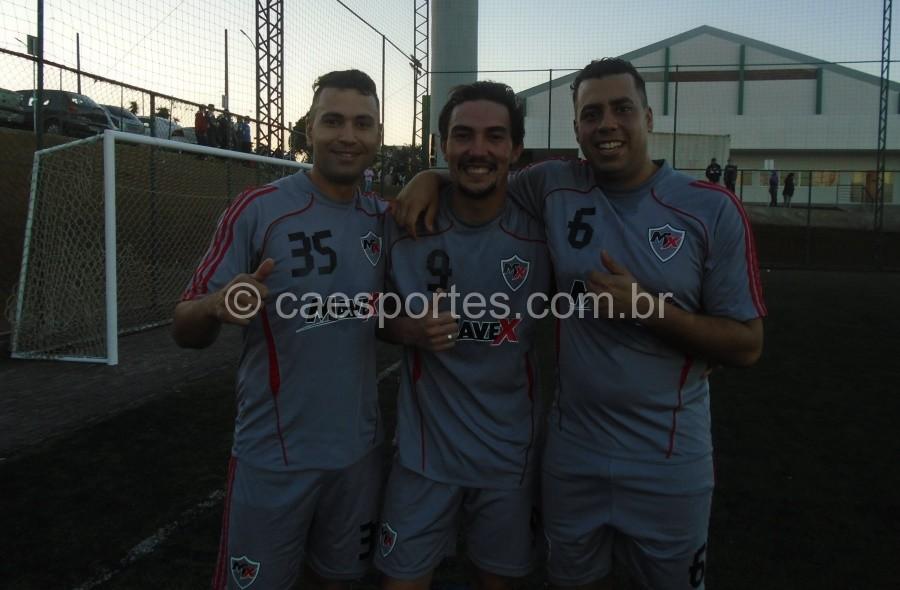 Tiago,Mario e Antoni-autores dos gols nas cobranças de panaltis que deram aclassificação a Matriztec