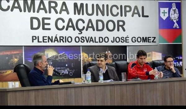 Dárcio de Saules, Alencar Mendes e Enemir Corozzola durante o congresso técnicoFoto: Heron Queiroz