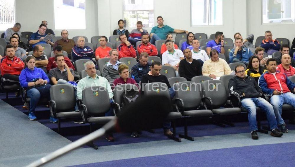 Ao todo foram 32 municípios presentes no encontro desta quinta (Foto: Heron Queiroz)
